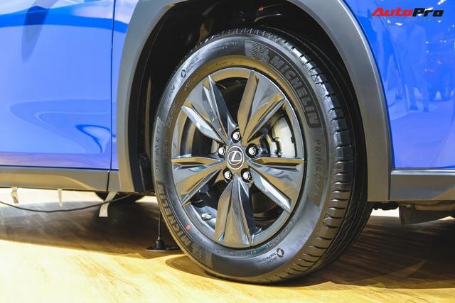 Soi kỹ Lexus UX - SUV sang chờ ngày về Việt Nam, đấu BMW X1 - Ảnh 8.
