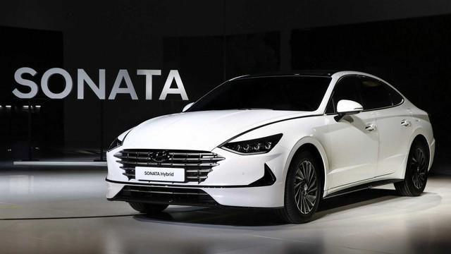 2 phiên bản tăng áp, hybrid của Hyundai Sonata ra mắt tại triển lãm Seoul - Ảnh 4.