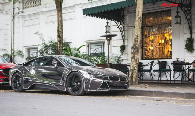 Đại gia Hà thành lột xác BMW i8 giống như Mercedes-AMG GT-S từng gây xôn xao trước đó - Ảnh 1.