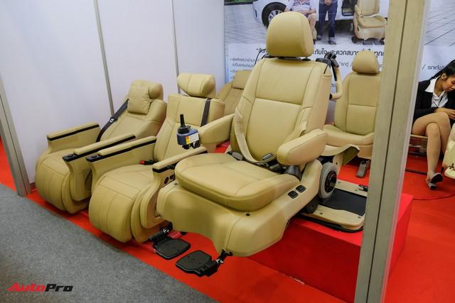Trải nghiệm ghế độ lên xuống ô tô, di chuyển bằng điện, giá hơn 225 triệu đồng - Ảnh 4.