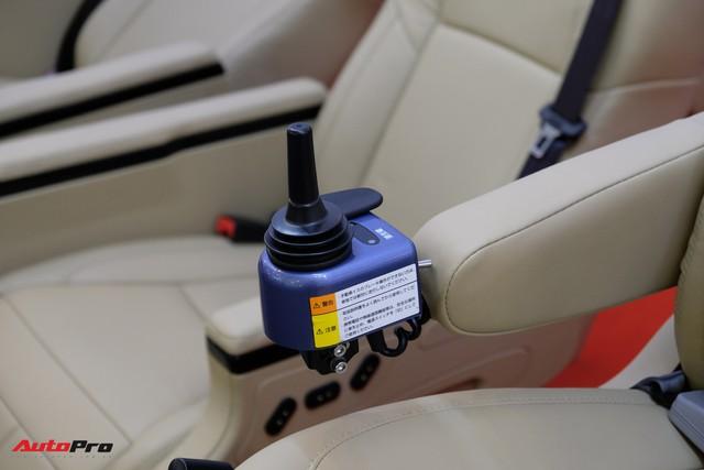 Trải nghiệm ghế độ lên xuống ô tô, di chuyển bằng điện, giá hơn 225 triệu đồng - Ảnh 5.