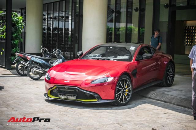 Aston Martin V8 Vantage 2019 chính hãng thứ hai tại Việt Nam về đại lý: Liệu đại gia Việt nào sẽ xuống tiền? - Ảnh 1.