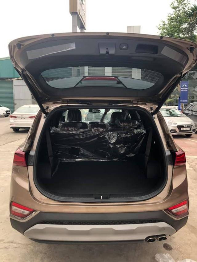 Hyundai Santa Fe 2019 full option đã về tới đại lý, giá bán chênh hơn 20 triệu đồng - Ảnh 5.