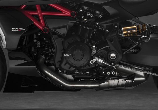 Mang thiết kế dị biệt, Ducati Diavel 1260 giành giải xuất sắc năm 2019 - Ảnh 3.