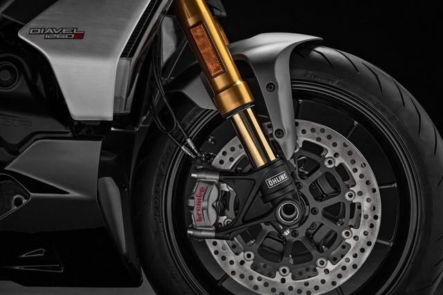 Mang thiết kế dị biệt, Ducati Diavel 1260 giành giải xuất sắc năm 2019 - Ảnh 6.
