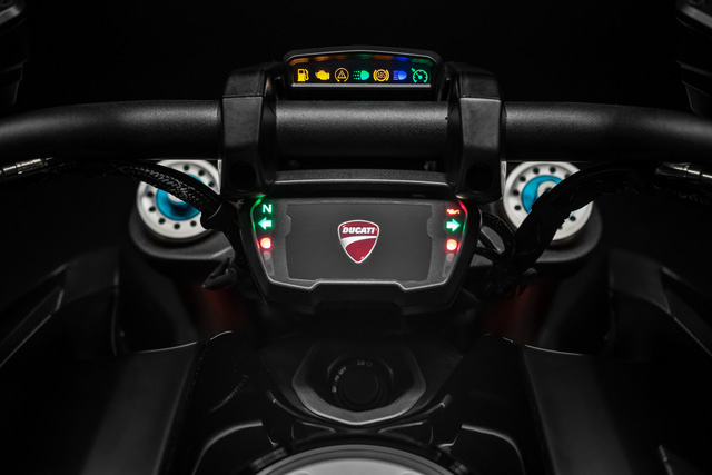Mang thiết kế dị biệt, Ducati Diavel 1260 giành giải xuất sắc năm 2019 - Ảnh 5.