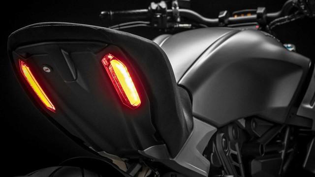 Mang thiết kế dị biệt, Ducati Diavel 1260 giành giải xuất sắc năm 2019 - Ảnh 4.