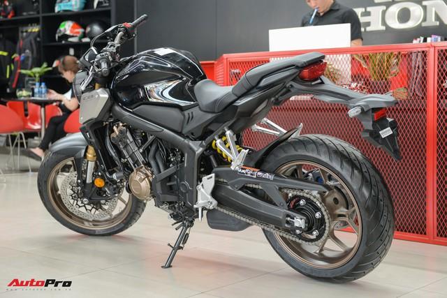 Chi tiết Honda CB650R 2019 giá 246 triệu đồng vừa ra mắt tại Việt Nam, lô đầu về đại lý đã bán hết - Ảnh 11.