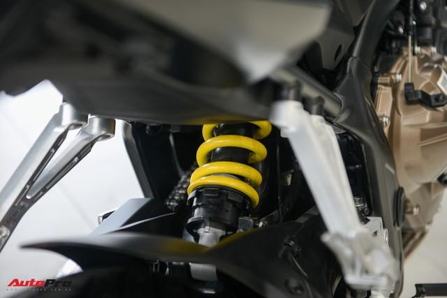 Chi tiết Honda CB650R 2019 giá 246 triệu đồng vừa ra mắt tại Việt Nam, lô đầu về đại lý đã bán hết - Ảnh 7.