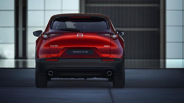 Mazda CX-30 bất ngờ ra mắt - Đàn em CX-5 dùng động cơ Mazda3