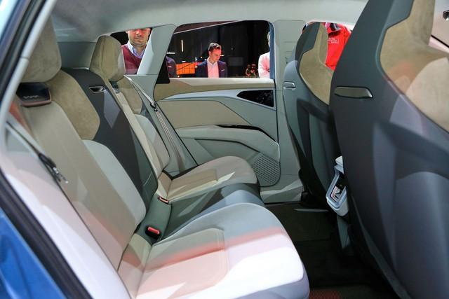 Trình diện Audi Q4 e-tron - SUV chủ lực hoàn toàn mới của Audi - Ảnh 8.