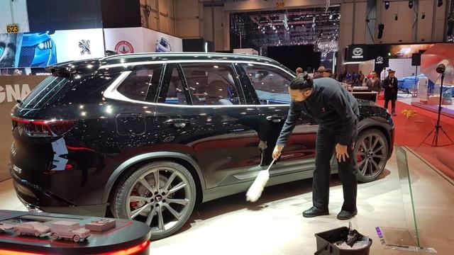 Lộ ảnh SUV VinFast tại Geneva Motor Show 2019 với tên V8 và thiết kế mới - Ảnh 2.