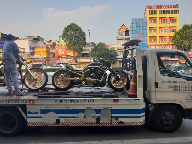 Bộ sưu tập mô tô tiền tỷ của người đàn ông đeo nhiều vàng nhất Việt Nam Phúc XO, dàn xe biển ngũ quỹ ít ai biết - Ảnh 6.