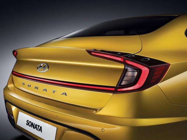 Hyundai Sonata thế hệ mới chính thức lộ diện, thách thức Toyota Camry  - Ảnh 4.