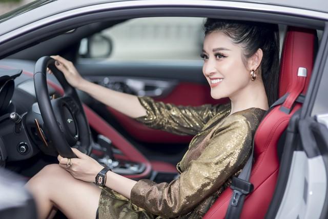 Mới 24 tuổi, Á hậu Huyền My đã sắm riêng cho mình chiếc Jaguar F-Type Coupe giá 6 tỷ đồng - Ảnh 6.