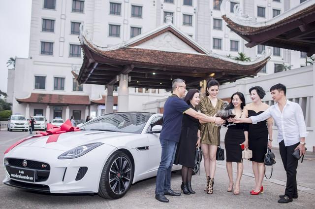 Mới 24 tuổi, Á hậu Huyền My đã sắm riêng cho mình chiếc Jaguar F-Type Coupe giá 6 tỷ đồng - Ảnh 4.