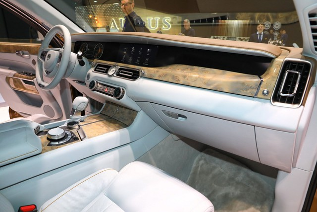Aurus - Thương hiệu chế tạo limousine cho tổng thống Nga ra mắt trời Âu, Rolls-Royce hay Bentley cũng phải dè chừng - Ảnh 8.