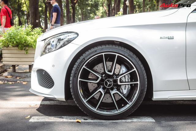 Bắt gặp Mercedes-AMG C43 4Matic giá hơn 4 tỷ đồng của dân chơi Sài Thành - Ảnh 8.