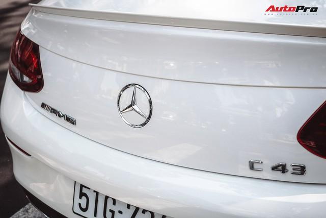 Bắt gặp Mercedes-AMG C43 4Matic giá hơn 4 tỷ đồng của dân chơi Sài Thành - Ảnh 9.
