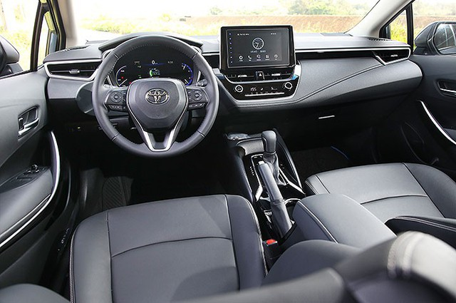 Toyota Corolla Altis vs Honda Civic vs Hyundai Elantra sắp bán: Cuộc đấu ở nửa dưới trong thời Mazda3 làm vua - Ảnh 4.