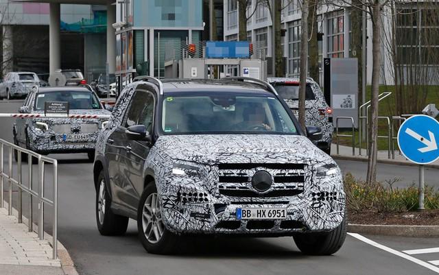 Mercedes-Benz GLS chốt lịch ra mắt: S-Class của SUV đấu BMW X7 - Ảnh 1.