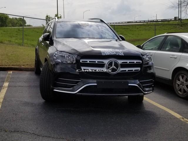Mercedes-Benz GLS mới lộ diện trần trụi: Bản thường đấu BMW X7, Maybach đấu cả Rolls-Royce Cullinan - Ảnh 1.