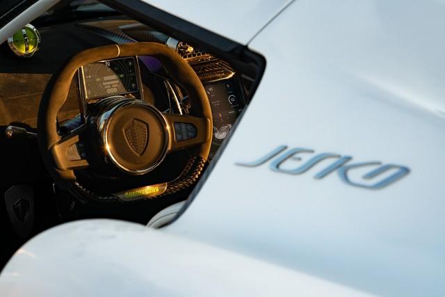 Koenigsegg Jesko lần đầu xuống phố, thể hiện vẻ đẹp không tì vết - Ảnh 8.
