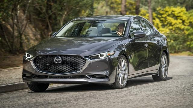 Toyota Altis, Mazda3 khép lại cuộc 'thay máu' sedan C tại Việt Nam năm 2019 - Ảnh 2.