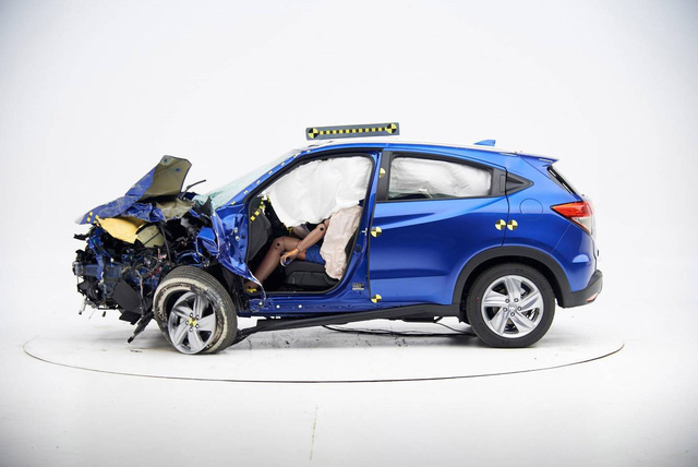 Không có xe mới, Honda mang HR-V nát đầu đi tham dự triển lãm - Ảnh 1.