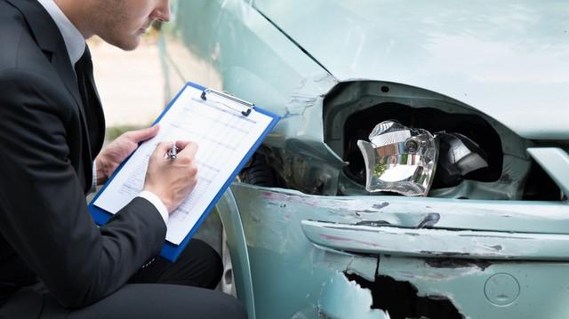Thị trường ô tô trên đà tăng trưởng, nhu cầu bảo hiểm xe vì thế cũng tăng vọt