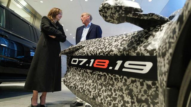 Đại lý Chevrolet phải đáp ứng những yêu cầu này mới được bán siêu xe C8 Corvette mới - Ảnh 2.