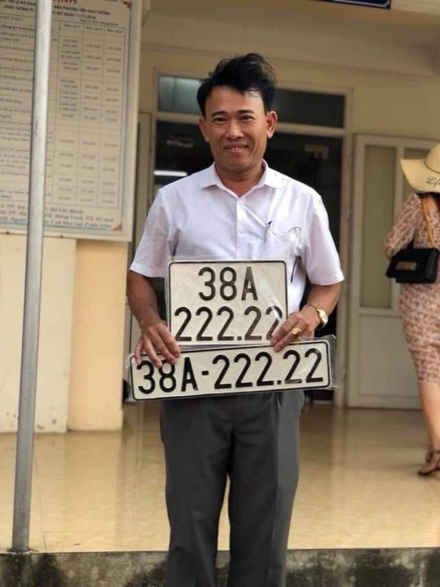 Thêm bàn tay vàng trong làng bốc biển, chủ nhân mua Toyota Camry cũ bấm được biển số ngũ quý 2 - Ảnh 2.