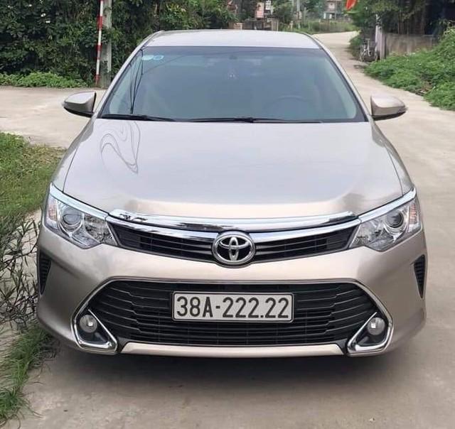 Thêm bàn tay vàng trong làng bốc biển, chủ nhân mua Toyota Camry cũ bấm được biển số ngũ quý 2 - Ảnh 1.