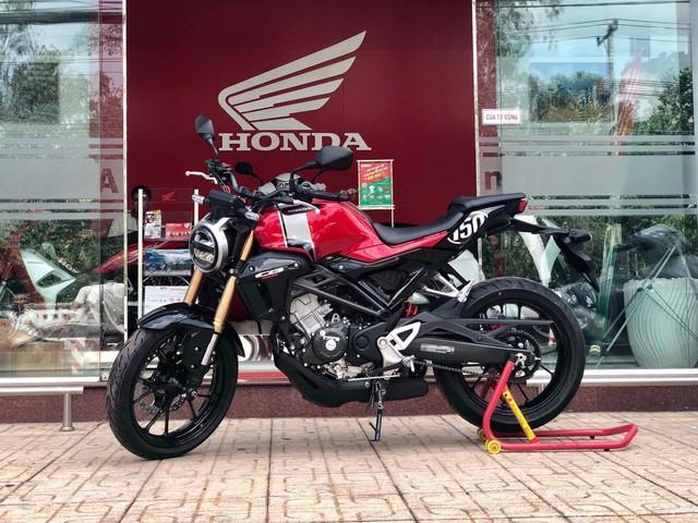 Honda CB150R giá 105 triệu đồng về đại lý, chuẩn bị mở bán chính thức tại Việt Nam - Ảnh 1.