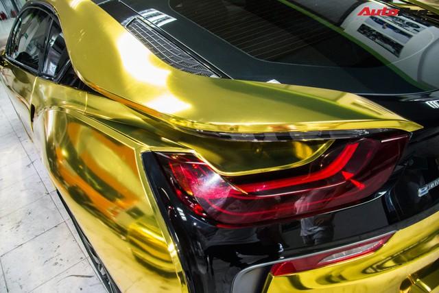 Dân chơi Sài Gòn mang BMW i8 đi đổi diện mạo phong cách nhà giàu Dubai - Ảnh 6.
