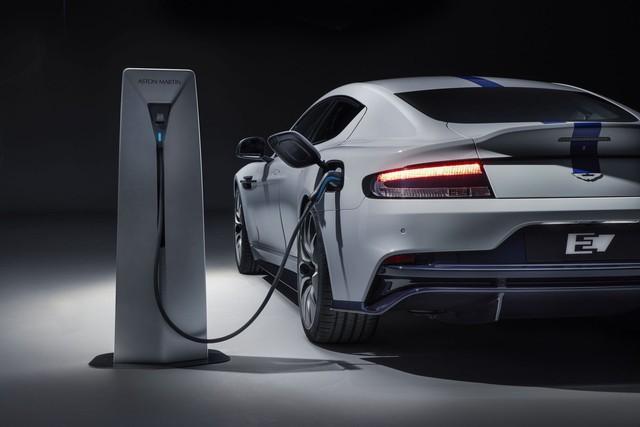 Aston Martin ra mắt Rapide E, khởi đầu kỷ nguyên mới - Ảnh 6.