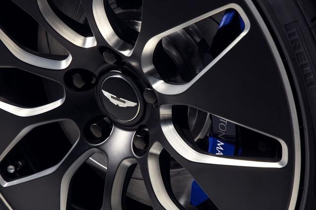 Aston Martin ra mắt Rapide E, khởi đầu kỷ nguyên mới - Ảnh 3.
