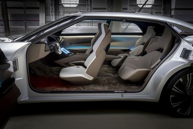 Infiniti Qs Inspiration - Cửa mở như Rolls-Royce và những thử nghiệm táo bạo để đuổi kịp đối thủ - Ảnh 7.