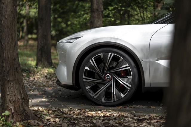 Infiniti Qs Inspiration - Cửa mở như Rolls-Royce và những thử nghiệm táo bạo để đuổi kịp đối thủ - Ảnh 6.