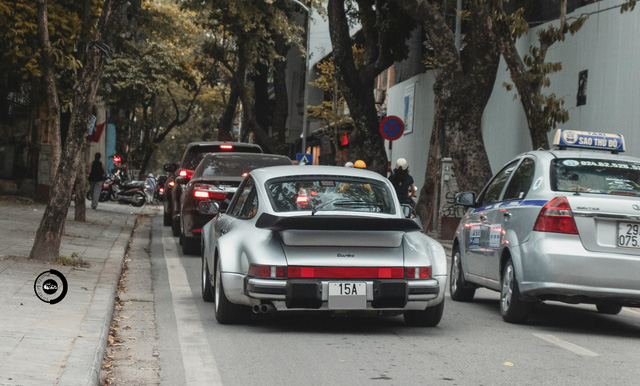 Đại gia Hải Phòng ra biển trắng cho Porsche 930 Turbo 30 năm tuổi độc nhất Việt Nam - Ảnh 4.