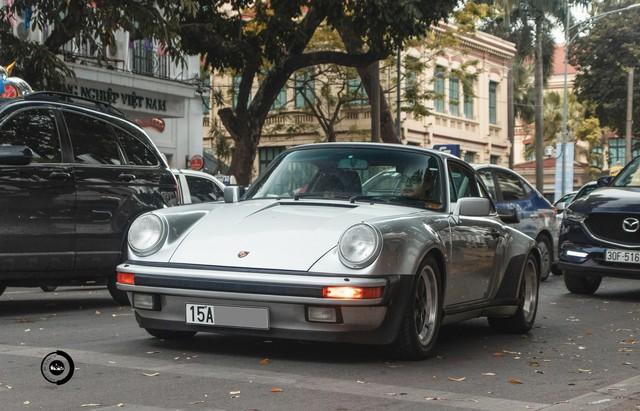 Đại gia Hải Phòng ra biển trắng cho Porsche 930 Turbo 30 năm tuổi độc nhất Việt Nam - Ảnh 3.