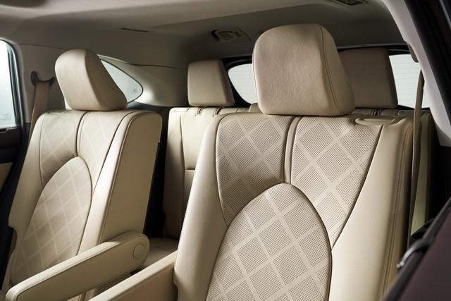 Ra mắt Toyota Highlander hoàn toàn mới: Lấy RAV4 làm chuẩn để đấu Ford Explorer - Ảnh 4.