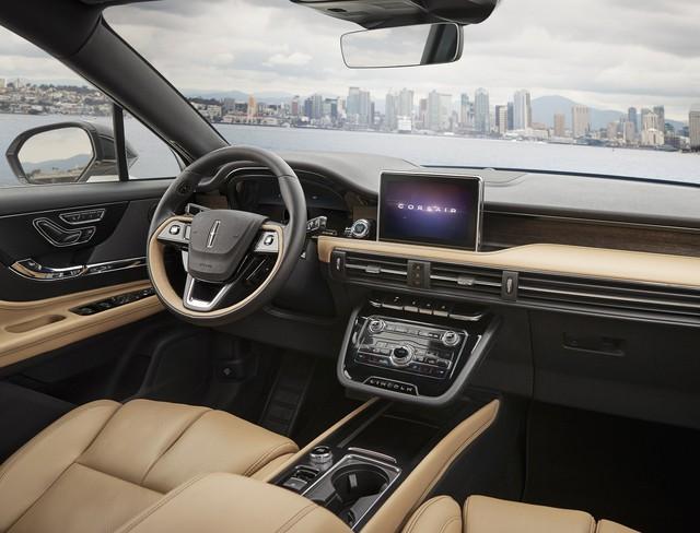 Mercedes-Benz GLA có thêm đối thủ dùng chung khung gầm Ford Escape  - Ảnh 6.