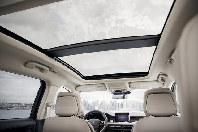 Mercedes-Benz GLA có thêm đối thủ dùng chung khung gầm Ford Escape  - Ảnh 8.