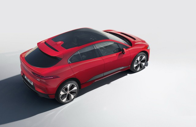 Jaguar thống thị giải thưởng Xe thế giới của năm 2019 nhờ mẫu xe này - Ảnh 1.