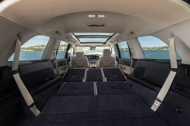 Trình diện Mercedes-Benz GLS thế hệ mới: Khi S-Class hoá SUV, áp lực của BMW X7 - Ảnh 8.
