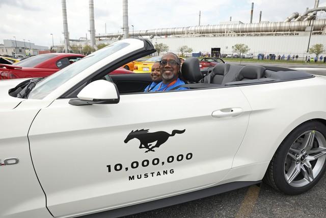 Ford Mustang là coupe thể thao bán chạy nhất toàn cầu năm thứ 4 liên tiếp - Ảnh 3.