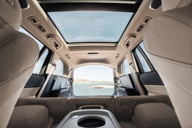 Trình diện Mercedes-Benz GLS thế hệ mới: Khi S-Class hoá SUV, áp lực của BMW X7 - Ảnh 7.