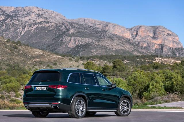 Trình diện Mercedes-Benz GLS thế hệ mới: Khi S-Class hoá SUV, áp lực của BMW X7 - Ảnh 2.