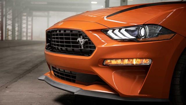 Ford Mustang lấy động cơ từ Focus RS, thêm sức mạnh cho dân chơi - Ảnh 3.